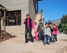 熊建英和她的13个学生